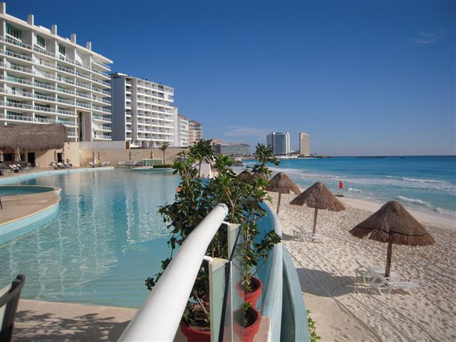 Bay View Grand Cancun Condo Rentals
