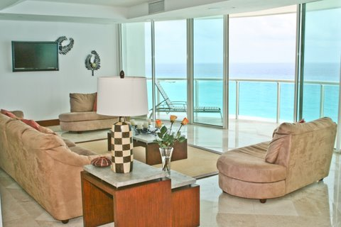huge great room with attached oceanfront patio