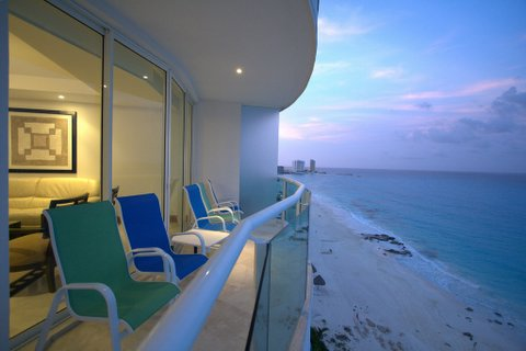 Views of the Caribbean from 1 if the 3 outdoor patios