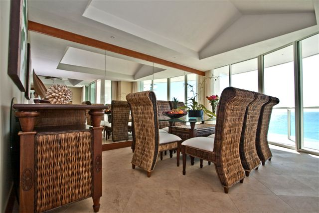 huge great room with attached oceanfront patio with jacquzzi, 42 inch flat panel Plasma TV