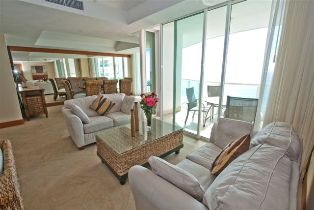 Views of the Caribbean from the great room living area