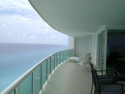 Another view of the extra large ocean view patio which sits on the 18th floor and offers 100% privacy