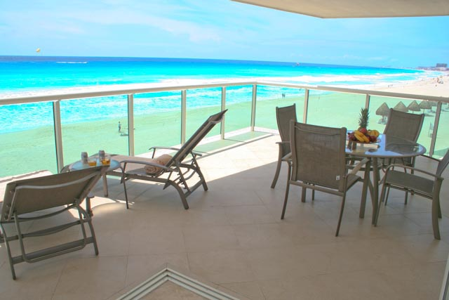 Portofino Complex is located in the best location in the Cancun hotel zone